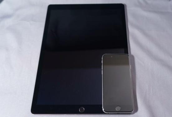 与iPhone 6大小对比