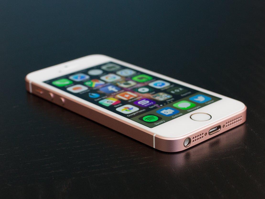 3-iphone-se